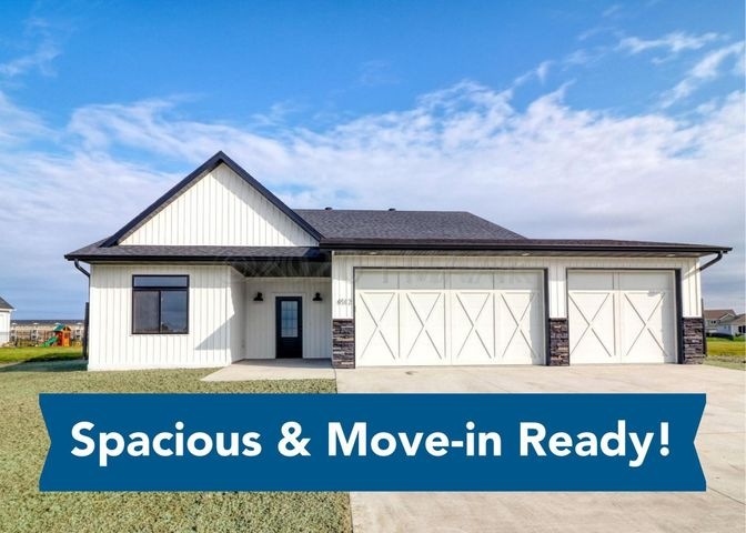4512 BLUE STEM Way, Moorhead, MN 56560