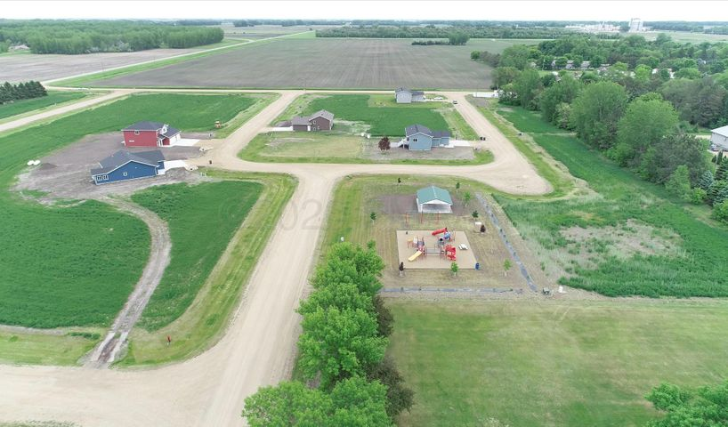 211 PRARIE Drive S, Hankinson, ND 58041