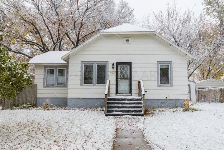 922 28 Street N, Fargo, ND 58102