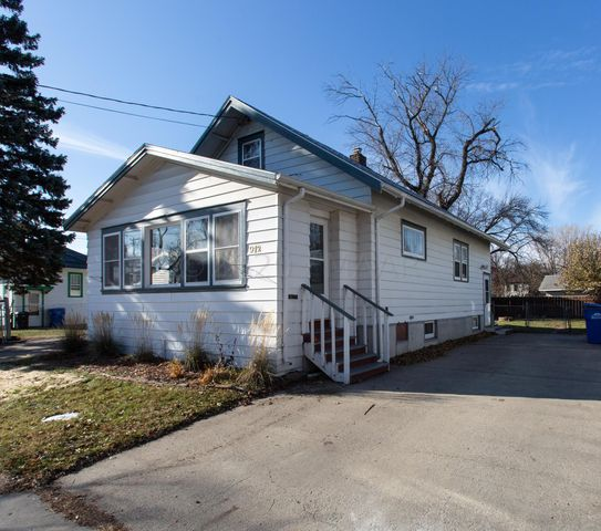 912 4TH Street N, Fargo, ND 58102