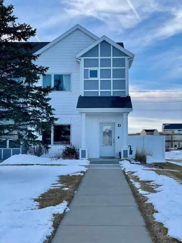 4398 46 Avenue S, UNIT D, Fargo, ND 58104