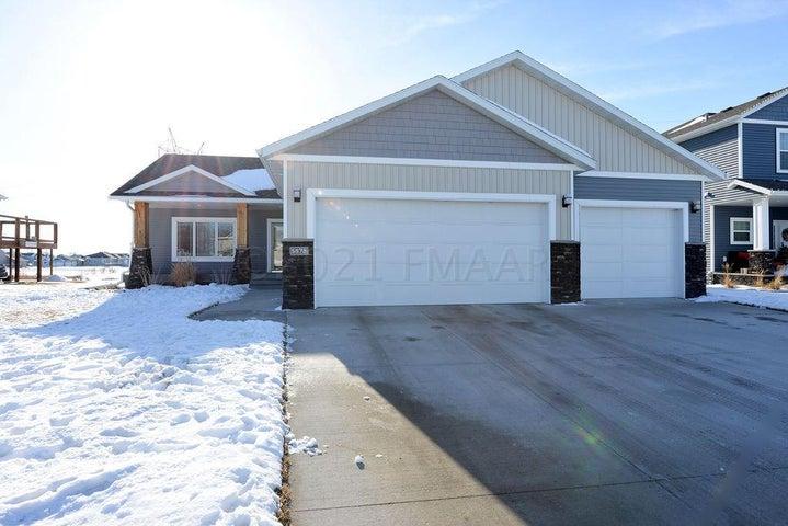 5878 AUTUMN Drive S, Fargo, ND 58104