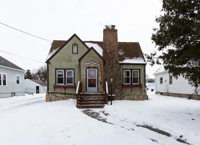 1025 14 Street N, Fargo, ND 58102