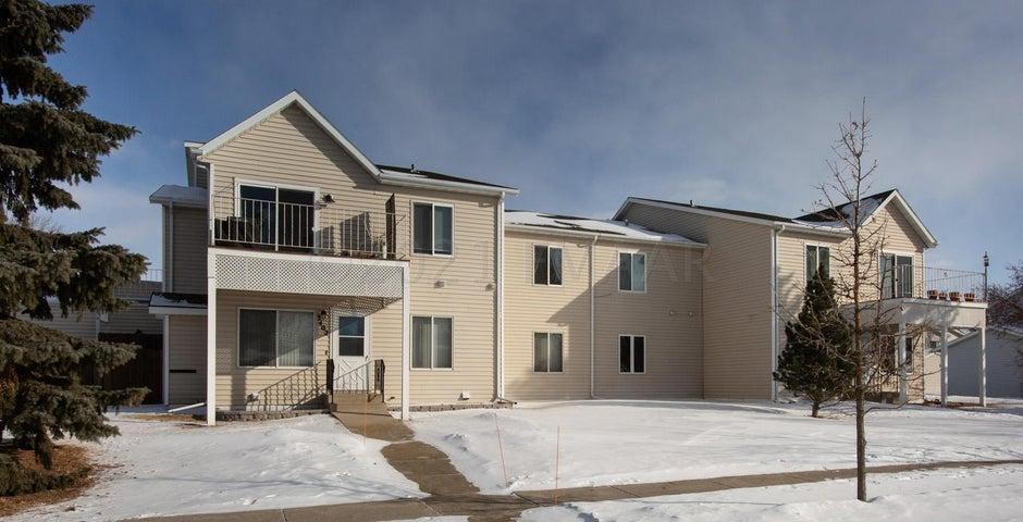 1630 34 Avenue S, Fargo, ND 58104