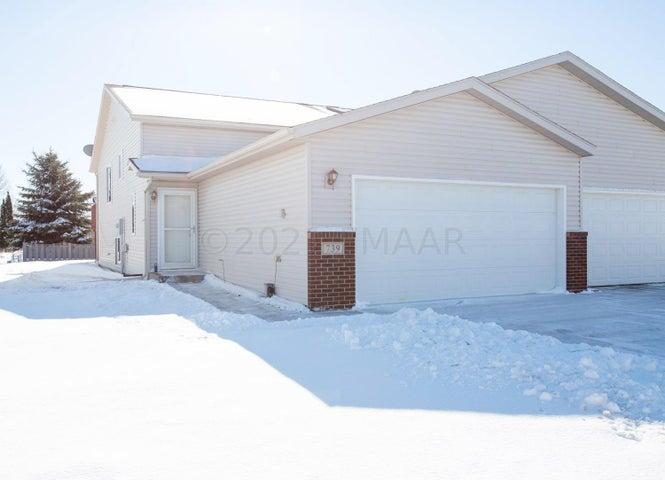 739 14 Avenue E, West Fargo, ND 58078
