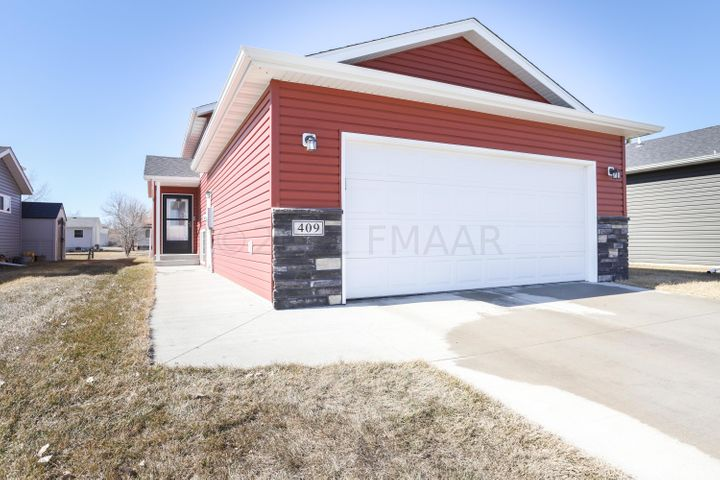 409 5 Street E, Horace, ND 58047