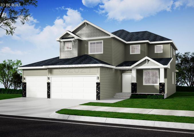 Welcome Home to 1333 Commander Drive W! Photo is a rendering.