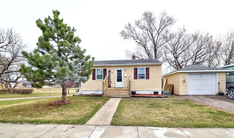 402 21 Street S, Fargo, ND 58103