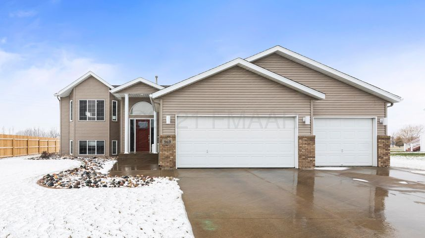 569 SEDONA Drive, West Fargo, ND 58078