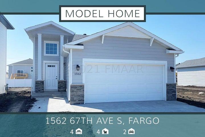 1562 67TH Avenue S, Fargo, ND 58104