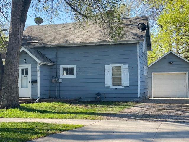 1534 7 Avenue S, Fargo, ND 58103