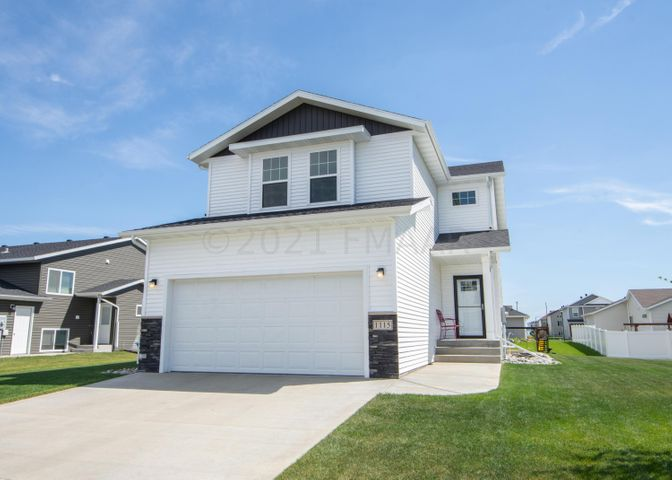 Welcome home to 1115 Eaglewood Ave W!