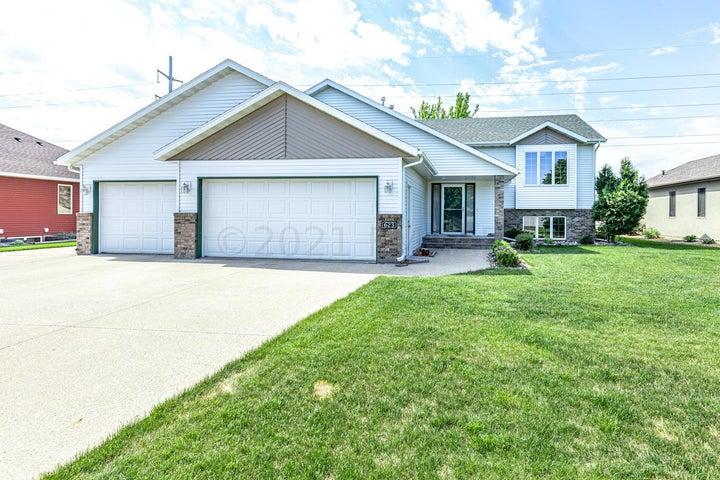 623 15 Avenue E, West Fargo, ND 58078