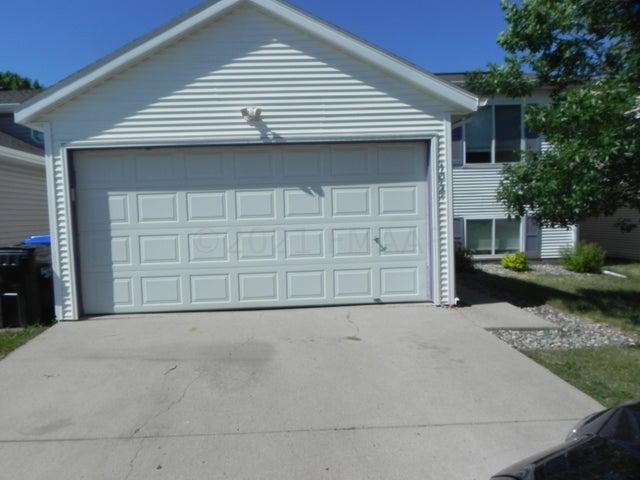 1047 36 Avenue N, Fargo, ND 58102