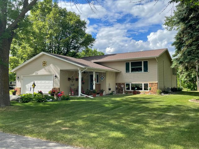 202 MEMORIAL Drive, Twin Valley, MN 56584
