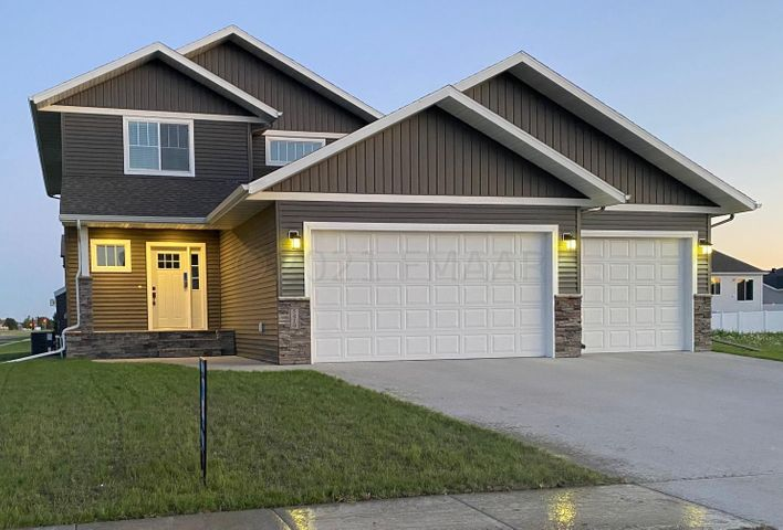 5410 37 Avenue S, Fargo, ND 58104