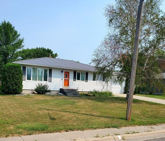 624 1ST Avenue SE, Hillsboro, ND 58045