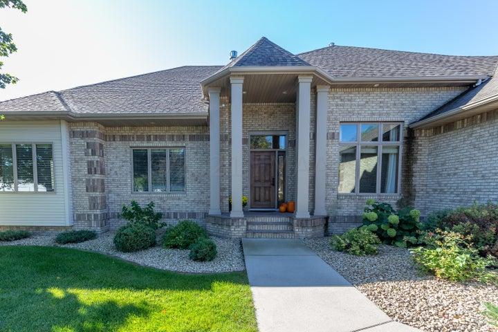 2689 MEADOW Creek S, Fargo, ND 58104