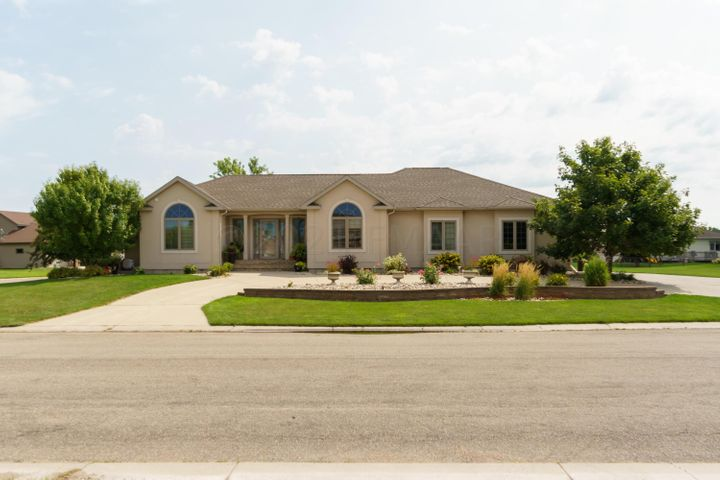 513 5TH Street NW, Dilworth, MN 56529