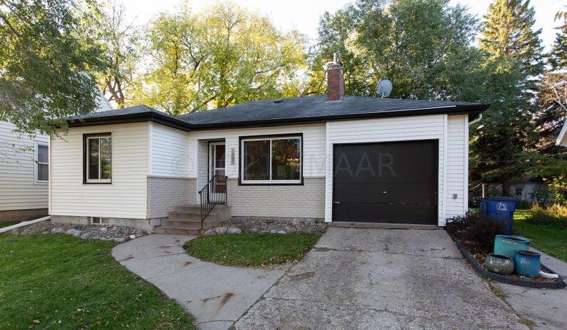 1809 4TH Avenue S, Moorhead, MN 56560