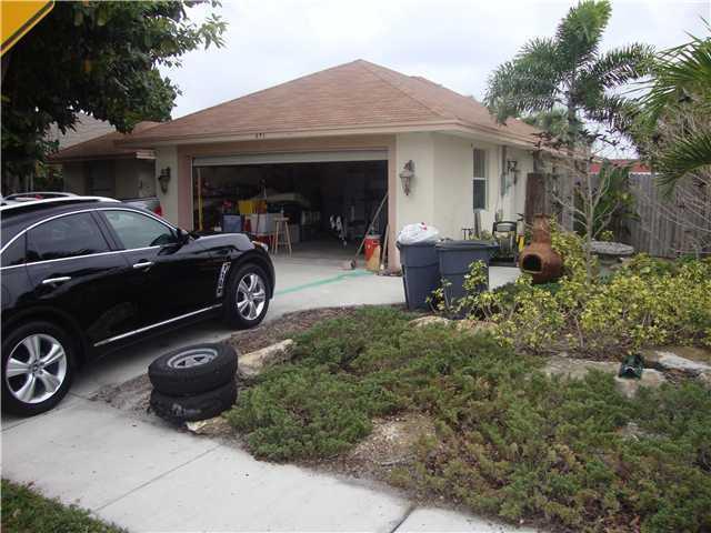 691 NE Stuart Street, Jensen Beach, FL 34957