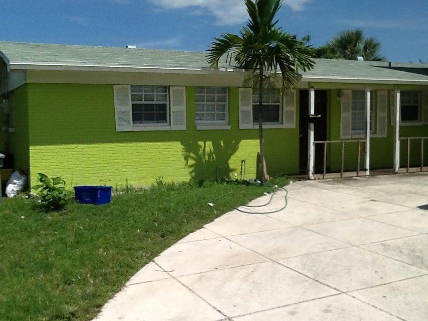 1503 West Road, Lake Park, FL 33403