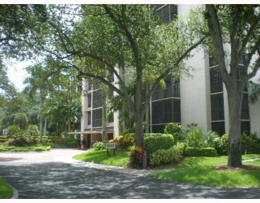 7786 Lakeside Boulevard, Boca Raton, Florida 33434, 2 Bedrooms Bedrooms, ,2 BathroomsBathrooms,Condo/Coop,For Sale,Boca West,Lakeside,1,RX-10090062