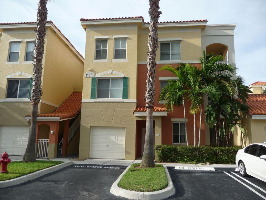 Legacy Place, Palm Beach Gardens, Florida 2 Bedroom Condos For Sold ...
