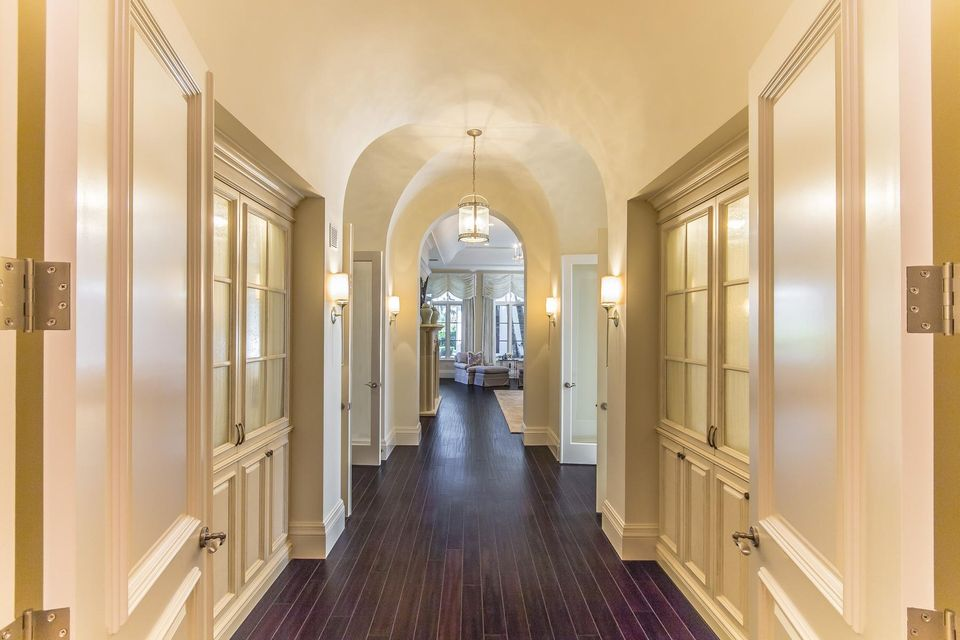 107 Bears Club Dr - Master Bed Hallway 1