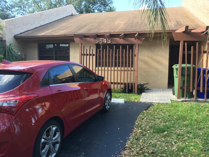 9643 NW 16th Court, Pembroke Pines, FL 33024