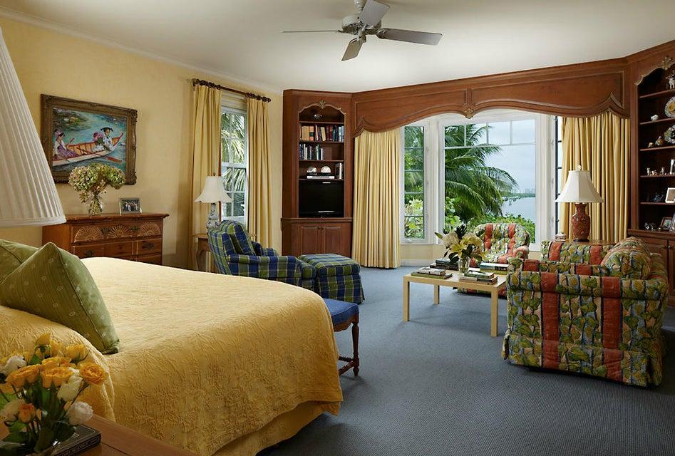 011 - Master Bedroom_008