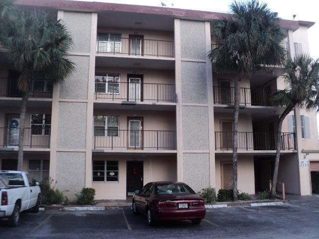 2600 NW 49 Avenue 211, Lauderdale Lakes, FL 33313