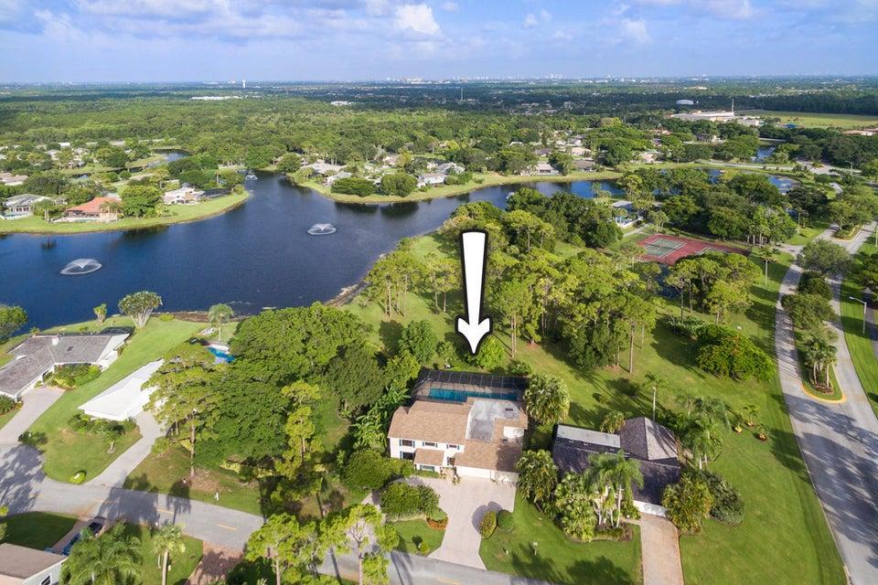 6486 Woodthrush Court, Palm Beach Gardens, Florida