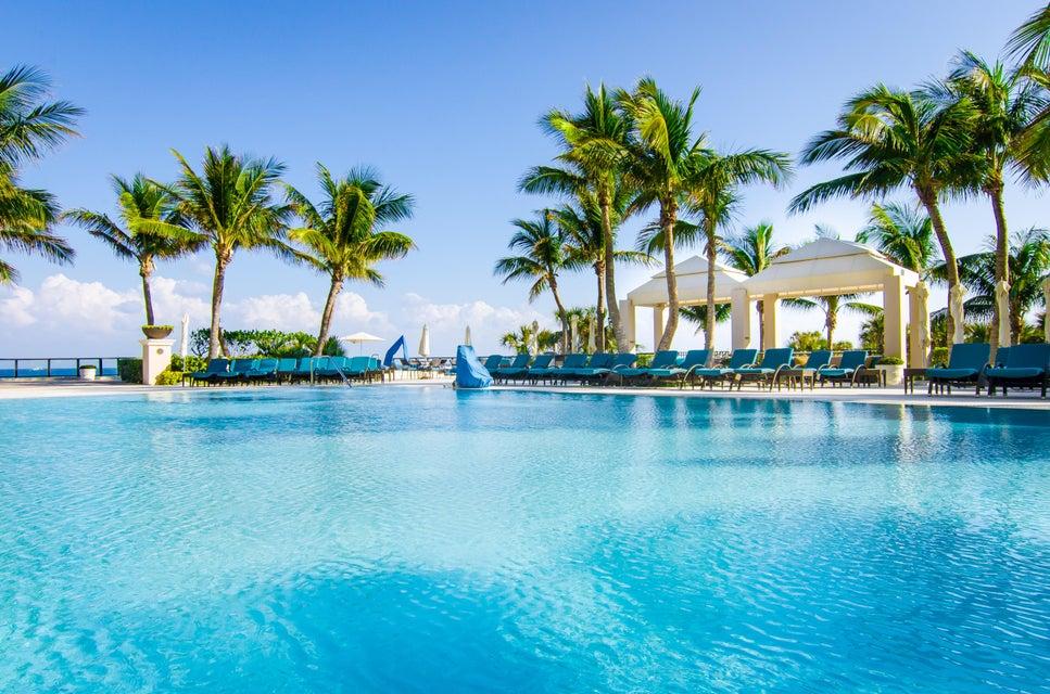 Ritz Carlton Pool and Cabanas
