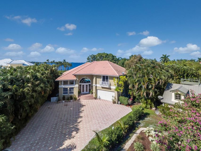 1424 NW Coconut Point Lane, Stuart, FL 34994
