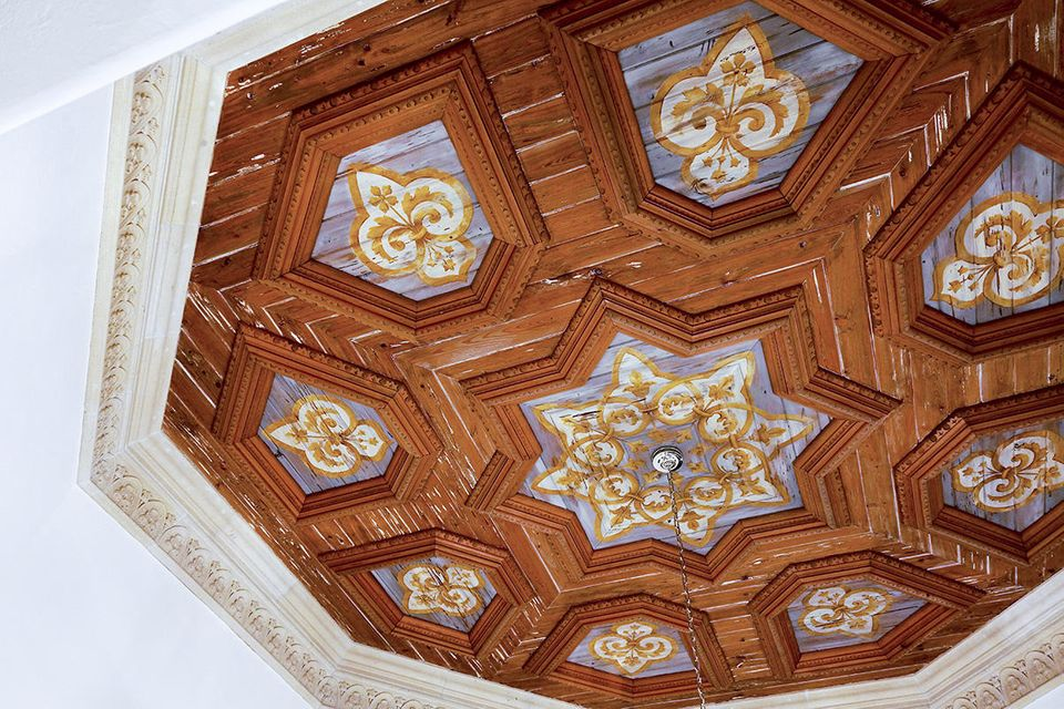 14 Ceiling Detail