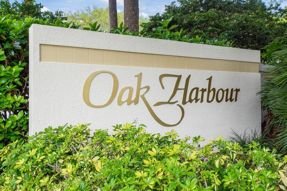 528 Oak Harbour Drive