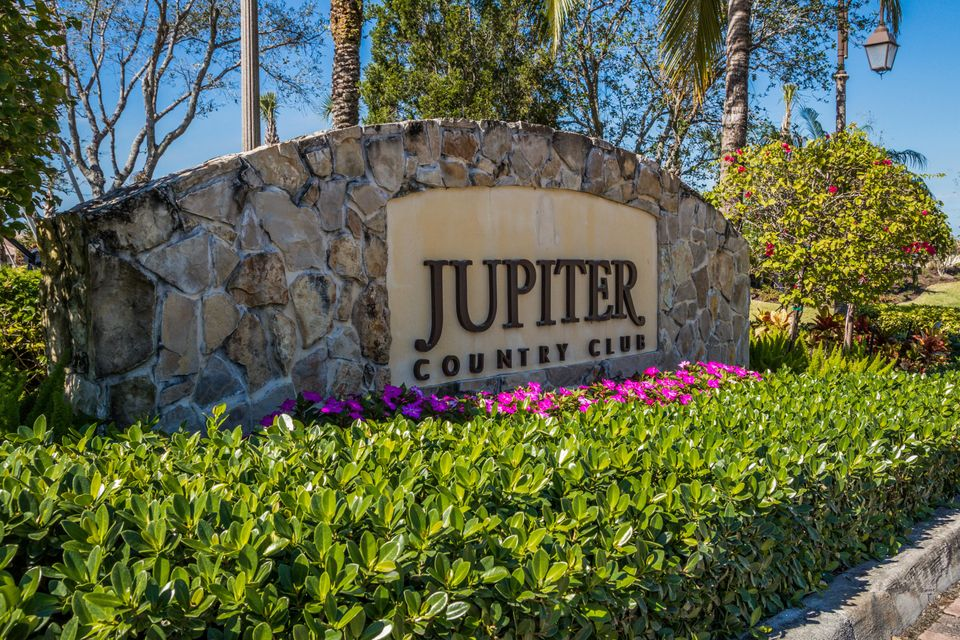Jupiter Country Club Entry