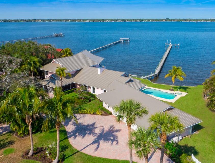 919 SE Riverside Drive, Stuart, FL 34994