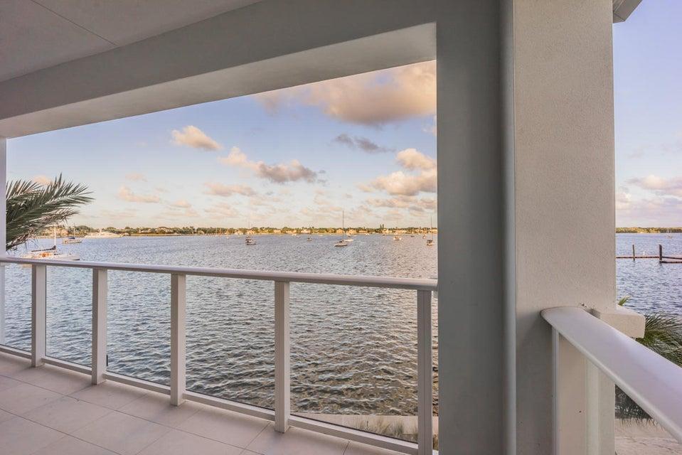 16_master-balcony-view2_104 Water Club C