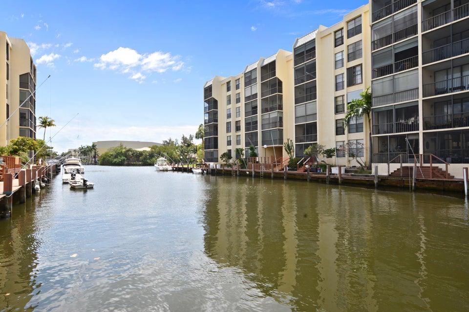 9 Royal Palm Way 206, Boca Raton, FL 33432