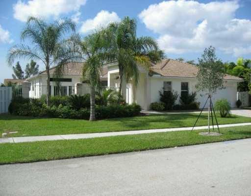 825 NW 132nd Avenue, Sunrise, FL 33325
