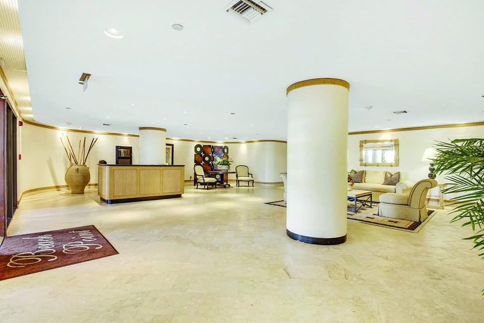 16 Lobby