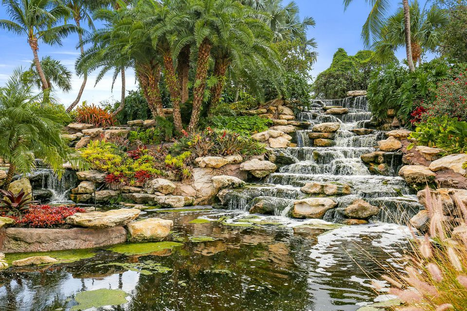 Old Palm waterfall
