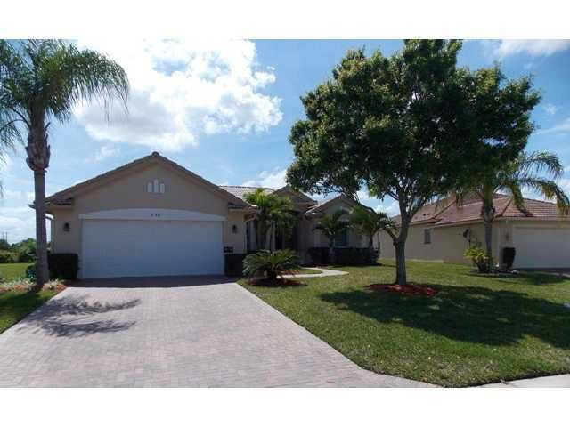 558 NW Waverly Circle, Port Saint Lucie, FL 34983