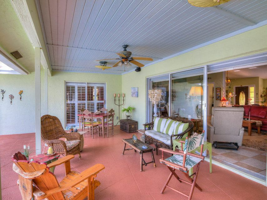 3 3 1 in greenview cove for sale 649 000 for What is the square footage of a 15x15 room