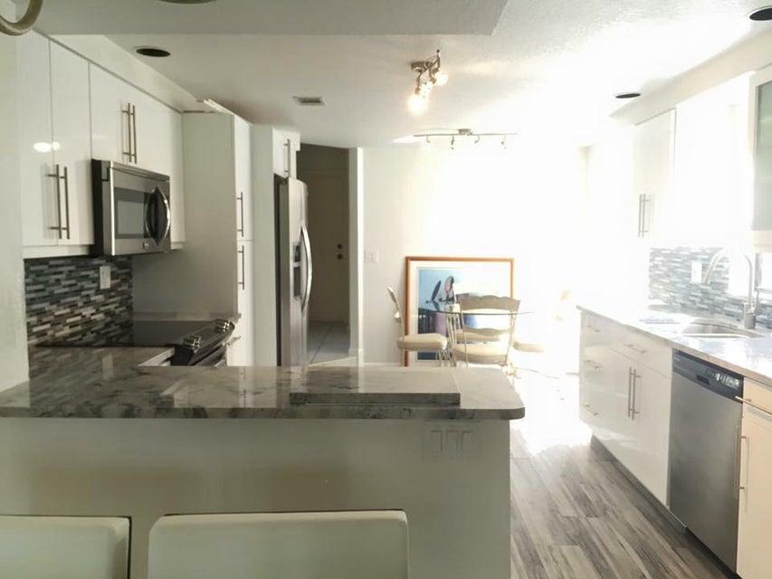 7770 La Mirada Drive Boca Raton, FL 33433
