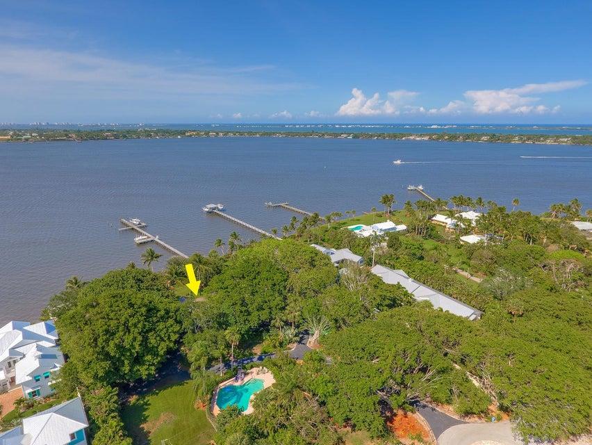 21 SE Harbor Point Drive, Stuart, FL 34996