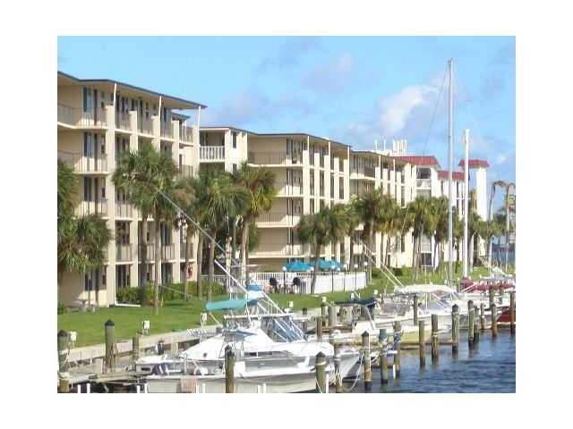 104 Paradise Harbour Boulevard 109, North Palm Beach, FL 33408