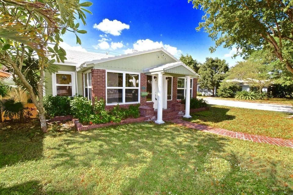 831 N Lakeside Drive, Lake Worth, FL 33460
